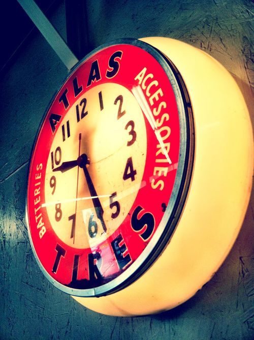 2 marq shop clock